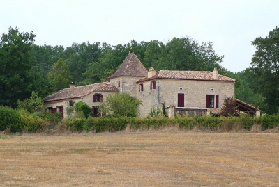 Restored farmhouse with 9500 m²