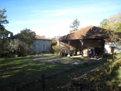 Maison authentique au bord d'un village