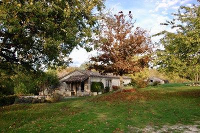 Quirky stone property in 5 ha nature
