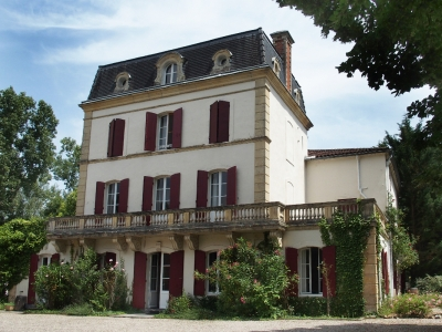 Maison de maitre with 7.8 ha, B&B